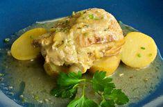 Απόλυτα ζουμερό, τρυφερό κοτόπουλο με σκόρδο και λεμονάτη σάλτσα ψητό στο φούρνο. Γαλλική συνταγή για κοτόπουλο με λεμόνι, ιδανική & για μπούτια ή στήθη. Chicken, Meat, Dinner, Cooking, Food, Dining, Kitchen, Food Dinners, Essen