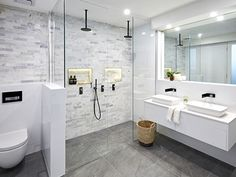 Get creative with shower screen features in your bathroom, to create a modern look. Wooden Bathroom, Small Bathroom, Master Bathroom, Bathroom Ideas, Bad Inspiration, Bathroom Inspiration, Shower Recess, Glass Shower Doors, Shower Screens