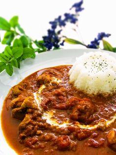 インド料理屋さんで食べるあの!バターチキンカレーが簡単に作れます☆たっぷりの玉ねぎの甘みとトマトの酸味で感激の美味しさ❤