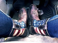 'merica cowboy boots! #cowboyboots #country For more Cute n' Country visit: www.cutencountry.com and www.facebook.com/cuteandcountry