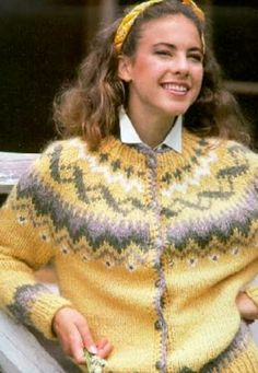Fair Isle Knitting Patterns, Knitting Charts, Knit Patterns, Icelandic Sweaters, Wool Sweaters, Knit Art, Classic Outfits, Camila, Vintage Costumes