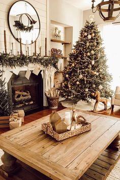 Christmas Interiors, Christmas Living Rooms, Christmas Bedroom, Farmhouse Christmas Decor, Rustic Christmas, Christmas Time Is Here, Noel Christmas, Winter Christmas, Seasonal Decor
