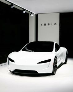 The new Tesla Roadster looks straight from the future! Makes us think of Stormtroopers, but better! The new Tesla Roadster looks straight from the future! Makes us think of Stormtroopers, but better! Luxury Sports Cars, Top Luxury Cars, Sport Cars, New Sports Cars, Carros Lamborghini, Lamborghini Veneno, Tesla Motors, New Tesla Roadster, Dream Cars