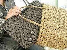 Discover thousands of images about donatella vassallo Crochet Wallet, Crochet Gifts, Crochet Handbags, Crochet Purses, Crochet Bags, Recycled Paper Crafts, Crochet Video, Weaving Designs, Bag Pattern Free