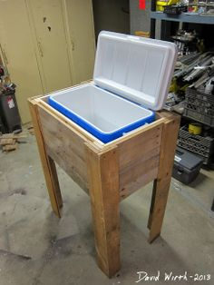 How to Build A Wooden Cooler - Rustic Outdoor Cooler Stand Wood Pallet - Rustic Outdoor Cooler Stand Wood Pallet information on how to build a wooden cooler ideas to renovate your home and make your house more beauty   Deck Cooler, Wood Cooler, Pallet Cooler, Cooler Stand, Outdoor Cooler, Cooler Box, Cooler Cart, Woodworking Furniture, Diy Furniture