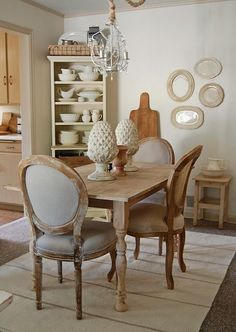 685 best tablescapes dining rooms images chairs blue white rh pinterest com