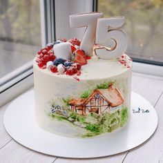 Шоколадный медовик для бабушки. Снаружи торт покрыт крем-чизом, украшен ягодами и имбирными пряниками. Роспись сделана по крему. Instagram.com/glavgnom