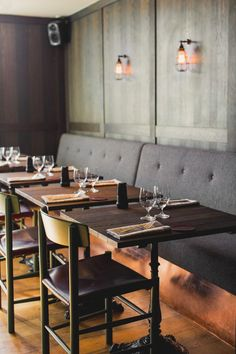 Stockholm's The Flying Elk puts a swanky spin on the classic British boozer #restaurantdesign