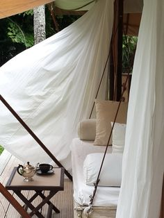 Les tentes Escape Nomade lodge luxe safari outdoor http://www.vogue.fr/voyages/inspirations/diaporama/tentes-de-luxe-camping-sauvage-safari-co-lodges-escape-nomade/24235#les-tentes-escape-nomade