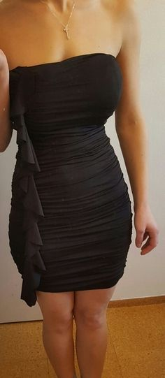 Schwarzes Kleid One Shoulder, Shoulder Dress, Dresses, Fashion, Short Gowns, Reach In Closet, Fashion Women, Kleding, Vestidos
