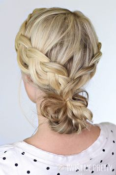 11 Gorgeous 2nd Day Hairstyles | http://helloglow.co/11-gorgeous-second-day-hairstyles/
