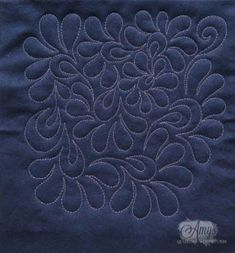 Amy's Free Motion Quilting Adventures: Free Motion Quilting Video: Feathered Flower