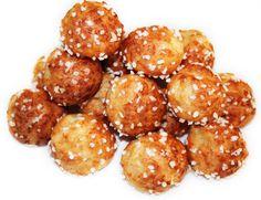 CHOUQUETTES (Pour 100 pièces : 12,5 cl d'eau 12,5 cl de lait, 250 g d'oeufs (5 œufs), 140 g de farine, 110 g de beurre, 5 g de sucre, 5 g de sel, sucre perlé)