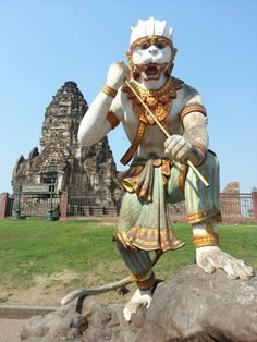 Hanuman the monkey god and the myth of the monkeys of Lopburi, Thailand. www.pratuchaicafe.com ( http://www.pratuchaicafe.com/monkey-king-god-lopburi-monkeys-story-thailand.htm)