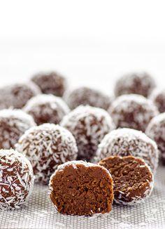 white-almond-joy-protein-balls-recipe by http://ifoodreal.com/almond-joy-protein-balls-recipe/