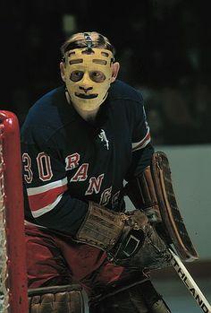 Gilles Villemure / New York Rangers Stars Hockey, Ice Hockey Teams, Hockey Goalie, Hockey Games, Hockey Players, Hockey Stuff, Nhl, Hockey Pictures, Rangers Hockey
