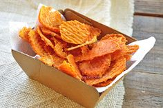 Clean Eating Twice Baked Sweet Potato Chips Recipe (The Gracious Pantry) Clean Eating Waffles, Clean Eating Chicken, Clean Eating Recipes, Eating Clean, Healthy Eating, Clean Diet, Twice Baked Sweet Potatoes, Sweet Potato Chips, Healthy Sweet Snacks