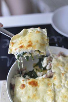 Lazania ze szpinakiem, gorgonzolla i prosciutto