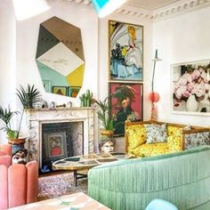 Maximalist Interiors (@maximalist.interiors) • Instagram photos and videos Decor, Living Room Decor Colors, Boho Dining Room, Living Room Decor Eclectic, Eclectic Living Room, Living Room Paint, Porch Wall Decor, Apartment Decor, Colourful Living Room Decor
