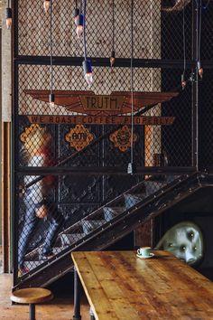 escalier métallique, design escalier industriel