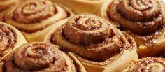 Heerlijke warme kaneel 'broodjes' met vanille icing.