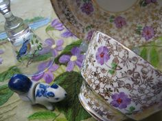Teacup Lane: Violet Flowers Teascape