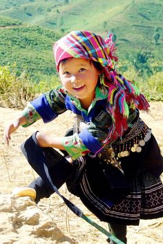 """Adorable child. Have no idea what the following means, but it came with the pic. ;-) ~ """"Em bé Mông - Nụ cười hồn nhiên - ngây thơ"""" ............."""