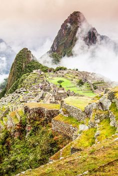 10 Tips for trekking to Machu Picchu in Peru from a hiking novice! | http://www.eatworktravel.com - The luxury, adventure couple!