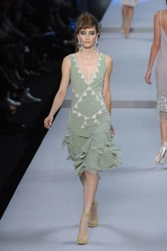 See the complete Christian Dior Spring 2008 Ready-to-Wear collection.