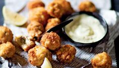 Crumbed mushrooms - Recipe search results - Pick n Pay Mushroom Recipes, Side Dish Recipes, Vegetable Recipes, Veggie Food, Yummy Eats, Yummy Food, Yummy Yummy, Recipe Search, Appetizer Recipes