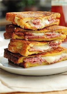 Recipe For Monte Cristo Sandwich - Ham and cheese never looked so good. Try this easy Monte Cristo Sandwich for breakfast, lunch or dinner. Think Food, I Love Food, Good Food, Yummy Food, Soup And Sandwich, Grilled Sandwich, Quick Meals, Easy Dinner Recipes, Quick Recipes