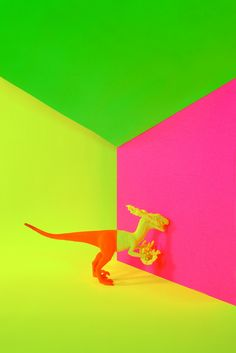 diy pop art - Benoit Paillé took a trip to the dollar store to create his own DIY Pop Art. The Canadian photographer collected plastic figurines like dinosaurs . Pop Art, Of Wallpaper, Neon Colors, Dollar Stores, Color Inspiration, Colorful Backgrounds, Illusions, Design Art, Pop Design