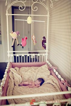 Stunning cot....this is so beautiful! and the baby in it.