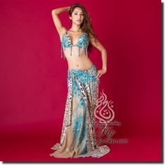 Design by Hallah Moustafa / Model: Donya / Fig Belly Dance / World Wide Shipping #figbellydance #bellydancecostume #worldwideshipping