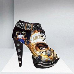 incredible shoe..............wonder what Michael would think of it?