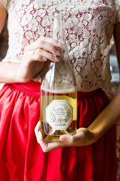 pretty wine bottle label perfect for parties | Lauren Rosenau #wedding