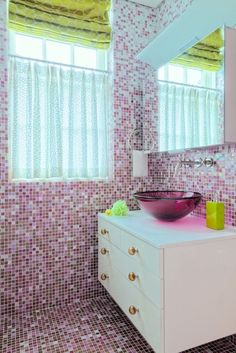 Little girls bathroom. Hot pink tile. Debbie Baxter-Baxter Design Group. -via Interior Canvas