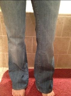 I have hemmed a dozen pair of jeans like this - BY HAND!  How To Hem Jeans And Keep The Original Hem!