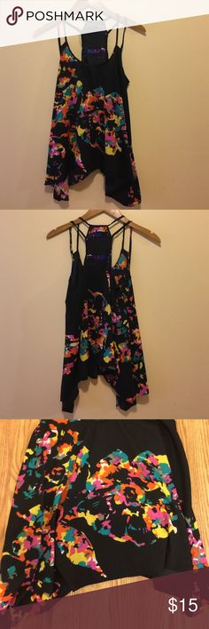 Printed top Printed uneven hem tank. 100% polyester. True to size Tops