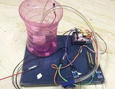 Site with many Arduino ideas! Arduino automatic watering system – During summers… Site with many Arduino ideas! Arduino automatic watering system – During summers, most people are too lazy to water the potted plants on their rooftop gardens every day. Arduino Sensors, Arduino Led, Arduino Programming, Automatic Watering System, Plant Watering System, Arduino Beginner, Simple Arduino Projects, Smart Garden, Water Plants