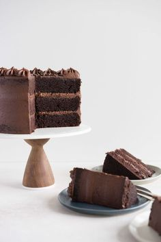 One Bowl Devil's Food Layer Cake with Milk Chocolate Frosting — Cloudy Kitchen Chocolate Frosting, Chocolate Desserts, Chocolate Milkshake, Chocolate Heaven, Healthy Chocolate, Chocolate Coffee, Easy Cookie Recipes, Easy Desserts, Dessert Recipes
