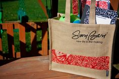 This bag makes carrying textbooks so easy. Well worth $15! www.saribari.com