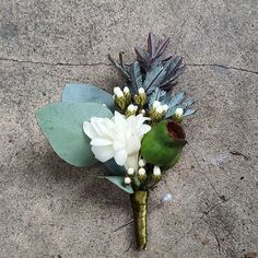 Floral Wedding Cakes Buttonhole for the Groom featuring Australian native florals - Flowers For Men, Pretty Flowers, Wedding Groom, Our Wedding, Wedding Stuff, Wedding Ideas, Bridesmaid Flowers, Flower Bouquet Wedding, Groom Buttonholes