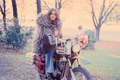 Les Motos Mythologiques: Anne-France Dautheville, « l'Easy Rideuse ».