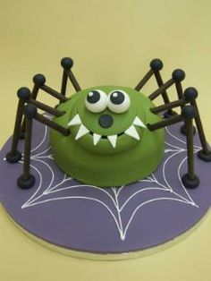 Halloween spider cake Racheal you should do this for your dads bday