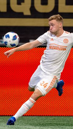 Fave soccer player in the world😍 Major League Soccer, Soccer Players, Atlanta United Fc, Mls Soccer, Professional Soccer, Concord And 9th, Nike Football, The Unit, Wallpapers