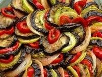 Grilled Ratatouille--I've always wanted to try this! Must go to France one day. Chef Recipes, Raw Food Recipes, Vegetable Recipes, Healthy Recipes, Healthy Eats, Salad Recipes, Vegetable Ratatouille, Ratatouille Recipe, Grilled Meatloaf