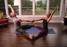 Parceiro Yoga Upavistha konasana  how to balance and integrate yin yang