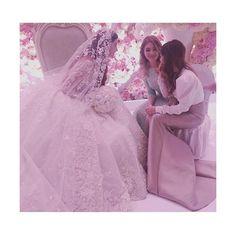 Fancy Wedding Dresses, Asian Bridal Dresses, Wedding Dress Necklines, Lovely Girl Image, Beautiful Girl Photo, Cute Girl Photo, Arab Wedding, Wedding Pics, Wedding Bride
