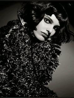Vogue Itália Agosto 2014 | Pamela Bernier + Mais por Emma Summerton [Beauty]